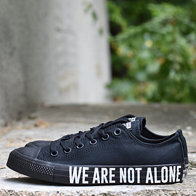 CHUCK TAYLOR ALL STAR WE ARE NOT ALONE Boty