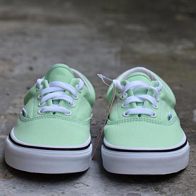 UA Era GREEN ASH/TRUE WHITE Dámské boty